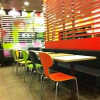 10/19/2012 tarihinde Mister WANziyaretçi tarafından McDonald's'de çekilen fotoğraf
