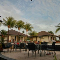 Photo taken at Comfort Hotel & Resort by Guntur B. on 1/23/2016