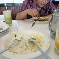 Photo taken at D'Cost Seafood by Guntur B. on 9/26/2016