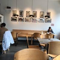 Foto diambil di Star Liner Cafe & Market oleh Pratik G. pada 5/23/2017