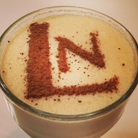 Снимок сделан в Кофейный дом LONDON пользователем Tina Suvorina 8/11/2013
