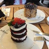 4/17/2013 tarihinde Binnur A.ziyaretçi tarafından Big Cake'de çekilen fotoğraf