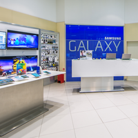 Photo taken at Samsung Brand Store by Konstantin T. on 6/8/2018