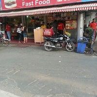 Photo taken at Kent's by Jaspreet Singh on 4/26/2013