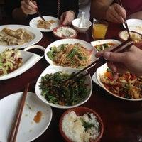 Photo taken at Fuguan Seafood by Joni on 3/31/2013