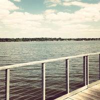 Das Foto wurde bei White Rock Lake Park von Eddy B. am 4/21/2013 aufgenommen