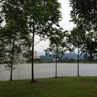 Photo taken at Taman Tasik Ampang Hilir by Shida on 5/27/2013