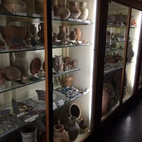 Photo taken at Petrie Museum of Egyptian Archaeology by Clea R. on 12/19/2014