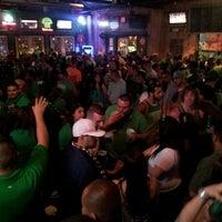 รูปภาพถ่ายที่ Lucky's Pub โดย darius b. เมื่อ 3/18/2013