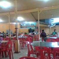 Photo taken at Rumah Makan Gajah Indah by Mul S. on 8/31/2013