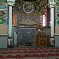 Photo taken at Masjid Agung Al-Makmur by Mul S. on 10/4/2012