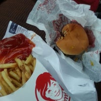 Photo taken at Wendy's by Tom on 8/18/2013