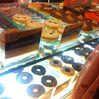 Photo taken at Mad Over Donuts by Atik on 11/10/2012