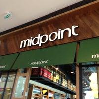 Foto diambil di Midpoint oleh Muzzy K. pada 5/26/2013