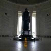 Photo prise au Thomas Jefferson Memorial par Alena le4/29/2013