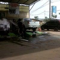 Photo taken at Bengkel Mata Motor by Hardi S. on 12/14/2012