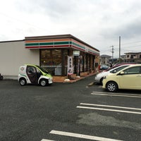 Photo taken at 7-Eleven by ハラダ ユ. on 1/25/2016