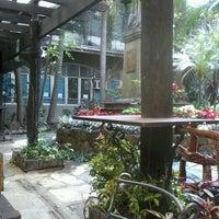 Снимок сделан в Letran Quezon Garden пользователем Clarissa E. 1/24/2013