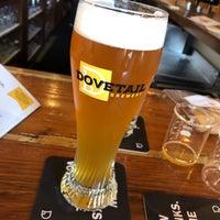 รูปภาพถ่ายที่ Dovetail Brewery โดย Blake E. เมื่อ 9/14/2018