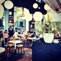 6/24/2013 tarihinde Carlos P.ziyaretçi tarafından Bar Lobo'de çekilen fotoğraf
