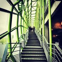 Das Foto wurde bei Les Docks – Cité de la Mode et du Design von Carlos P. am 4/27/2013 aufgenommen