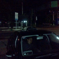Photo taken at PHD - Pizza Hut Delivery by CUT DEWIITA S. on 2/16/2013