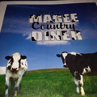 Photo taken at Magee Country Diner by Alessandra Eufrazio F. on 7/22/2013