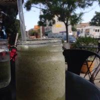 7/27/2014にGeorgiaがCafe Barで撮った写真