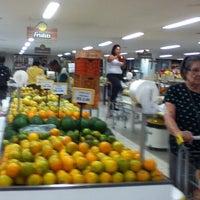 Foto tirada no(a) Tuti Fruti por Dani T. em 11/6/2012
