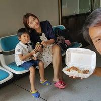 Photo taken at รพ.ศูนย์อนามัยแม่และเด็ก by คุงหล๋วงต๋วง S. on 2/14/2018