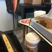 Photo taken at Peet's Coffee & Tea by Rosa R. on 6/10/2017