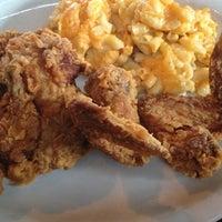 Das Foto wurde bei Paschal's Restaurant von Raph B. am 12/29/2012 aufgenommen