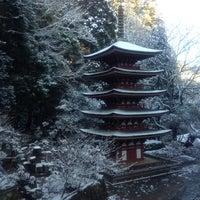 Photo taken at 室生寺 by Naoki U. on 12/9/2012