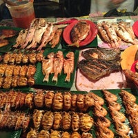 Photo taken at Pasar Malam Sinsuran (Night Market) by awizul on 6/21/2013