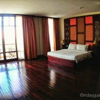 Foto tomada en Amanjaya Pancam Suites Hotel por hazel beth g. el 7/11/2013