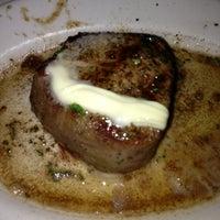 Foto tomada en Ruth's Chris Steak House por Jenn el 2/21/2013