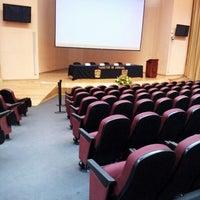 Photo taken at Auditorio Alberto Barajas by Iezzi U. on 3/4/2013