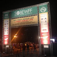 Foto tomada en Food Network South Beach Wine & Food Festival  por NYC Sidewalker el 2/25/2013