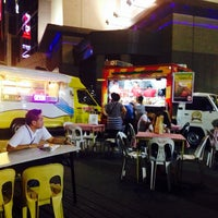 Photo taken at Night Food Bazaar by Dannylo M. on 12/12/2013