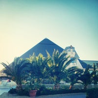 2/8/2013 tarihinde 24kMediaziyaretçi tarafından Luxor Hotel & Casino'de çekilen fotoğraf