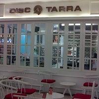 Photo taken at Disc Tarra by Gepe on 10/12/2012