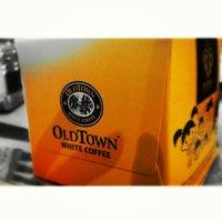 Photo taken at OldTown White Coffee by Jonah S. on 7/11/2013