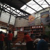Foto tomada en Café Barra Café por Greg G. el 12/16/2012