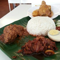 Photo taken at 6 to 10 Grill & Nasi Lemak by LSK on 1/23/2013