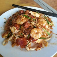 Photo taken at Siam Road Charcoal Char Koay Teow by LSK on 1/26/2013