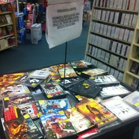 Photo taken at Americanas Express Blockbuster by Viviane on 10/16/2012