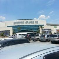 2/18/2013 tarihinde Valério M.ziyaretçi tarafından Shopping Grande Rio'de çekilen fotoğraf