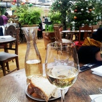 Photo prise au Petersham Nurseries Cafe par Ritobaan R. le12/13/2012