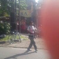 Photo taken at SMA Negeri 1 Bandung by Aryo B. on 12/29/2013