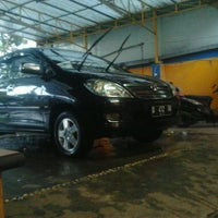 Photo taken at SCW - Sulanjana Car Wash by Yoga A. on 7/16/2013
